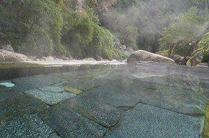 Горячая ванна.  Базовый лагерь Аннапурны + сафари Читвана. Непал, Hikeup