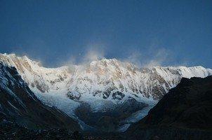 Аннапурна I.  Світанок біля підніжжя Аннапурни. Непал, Hikeup