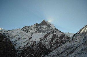 Мачапучаре.  Світанок біля підніжжя Аннапурни. Непал, Hikeup