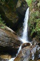 Водопад по дороге в Деурали.  Рассвет у подножья Аннапурны, Hikeup