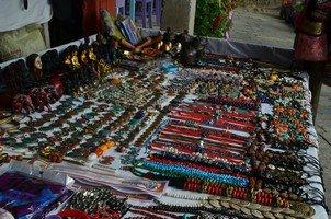 Продажа сувениров.  Світанок біля підніжжя Аннапурни. Непал, Hikeup