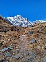 Красотка Аннапурна Южная.  Світанок біля підніжжя Аннапурни. Непал, Hikeup