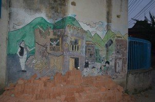 Графити на стенах Катманду.  Навколо Аннапурни. Непал - Перевал Торонг-Ла, Hikeup