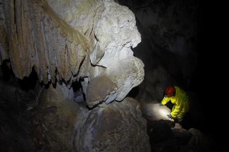 Галерея в пещере Обвальная.  Пещеры Чатыр-Дага, Hikeup