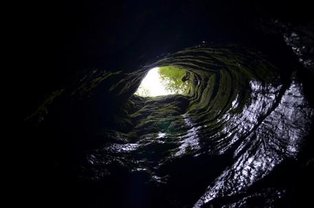 Выход из пещеры.  Пещеры Чатыр-Дага, Hikeup