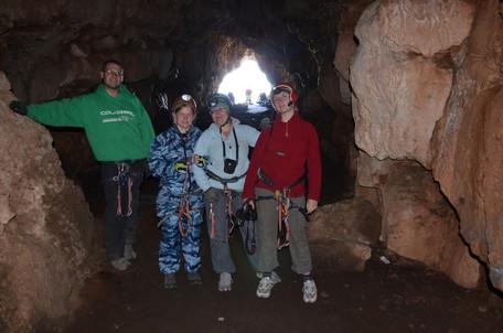 Перед спуском вглубь пещеры.  Пещеры Чатыр-Дага, Hikeup