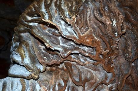 Известковые натёки в пещере Вялова.  Пещеры Чатыр-Дага, Hikeup
