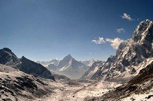 Вид на Ама-Даблам и Табуче.  Базовый лагерь Эвереста и озера Гокио, Hikeup