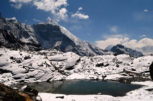 Озеро на перевале Чо Ла.  Базовый лагерь Эвереста и озера Гокио, Hikeup