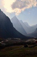 В Доле.  Базовый лагерь Эвереста и озера Гокио, Hikeup