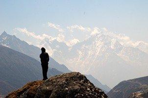 Человек и Гималаи.  Базовый лагерь Эвереста и озера Гокио, Hikeup