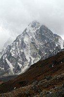 Чолацзе в туче.  Чарующий и таинственный Непал. Далеко и ещё дальше., Hikeup