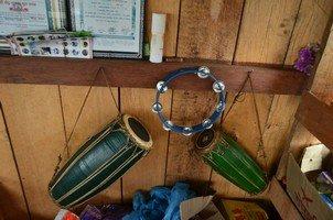 Музыкальные инструменты непальцев.  Тибетський Новий рік і Марді Хімал трек. Непал, Hikeup