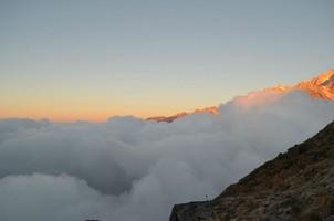 На смотровой площадки Марди Химала.  Марди Химал трек и рафтинг по Белой воде, Hikeup