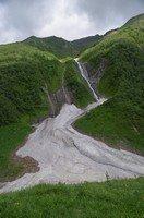 Снежный вынос лавины.  Поход по грузинскому Кавказу. Верхняя Сванетия. Грузия, Hikeup