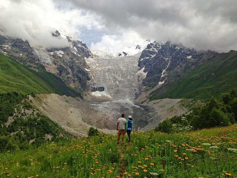 Взглянули еще раз на ледник, только уже с высоты