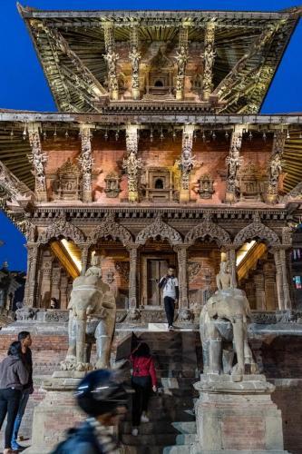 uglublenie-v-zhizn-nepala-religiya-i-kultura 2